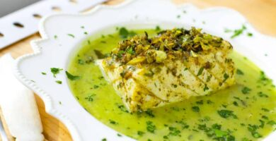 Cod in green sauce